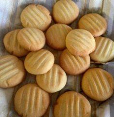Pikkuleivät Croissants, Macarons, Almond, Diet, Cookies, Recipes, Food Styling, Crafts, Wafer Cookies