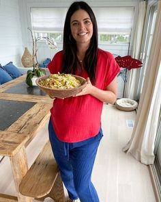 Katie Lee (@katieleekitchen) • Instagram photos and videos Small Cottage Kitchen, Green Kitchen, Country Kitchen, Quick Weeknight Meals, Fast Easy Meals, Sesame Ginger Dressing, Katie Lee, Cabbage Salad, Cabinet Makeover