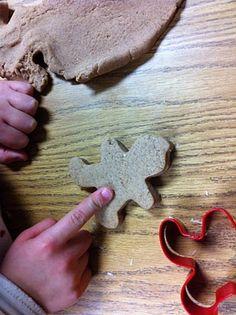 DIY Gingerbread Playdough by fairdustteaching: Smells great! #Paydough #Gingerbread_Playdough #fariydustteaching