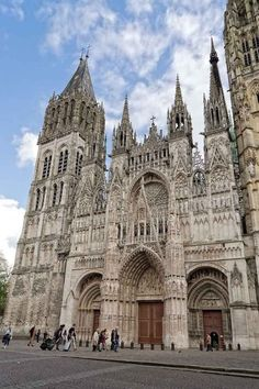 The Magic of Rouen, Beautiful Medieval City in Normandy Cathedral Architecture, Gothic Architecture, Historical Architecture, Gothic Cathedral, Cathedral Church, Portsmouth, Dusk Maiden Of Amnesia, French Cathedrals, Medieval