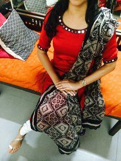 Harini Ramdev's media statistics and analytics Silk Kurti Designs, Salwar Neck Designs, Dress Neck Designs, Stylish Dress Designs, Kurta Designs Women, Stylish Dresses, Simple Dresses, Blouse Designs, Lovely Dresses