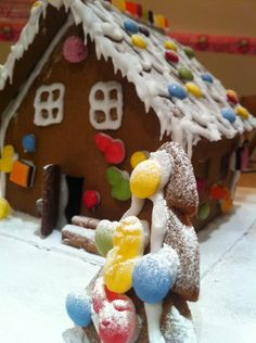 Gingerbread house tree