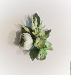 Купить Брошь с цветами из полимерной глины зелененькая - салатовый, зеленый, зеленый цвет, ранункулюс, гортензии