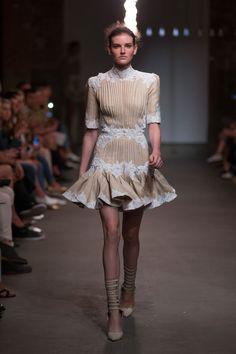Catwalk photos and all the looks from Zimmermann Spring/Summer 2016 Ready-To-Wear New York Fashion Week New York Fashion, Fashion Week, Runway Fashion, Spring Fashion, Fashion Show, Fashion Outfits, Womens Fashion, Fashion Design, Fashion Trends