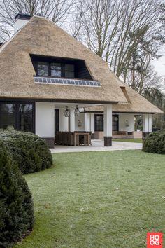 Exclusieve villa met grote tuin | house designs | dream homes | dreamy houses | droomhuis | Hoog.design
