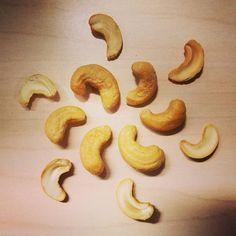 154/366 Treat My afternoon snack some cashews. #fmsphotoaday #fms_treat #cashews