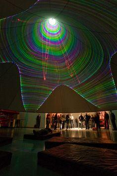 Laser cone, de Nam June Paik (2001 - 2010)