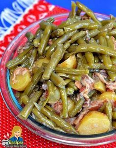 Are you looking to make Southern Green Beans? Nothing better than green beans potatoes bacon garlic onion chicken broth pepper and a hit of sugar? Bacon Recipes, Side Dish Recipes, Veggie Recipes, Dinner Recipes, Green Vegetable Recipes, Easy Recipes, Fresh Green Bean Recipes, Lima Bean Recipes, Cheap Recipes