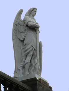 Arcangel Uriel - Panteon de Tepeyac - Ernesto Tamariz