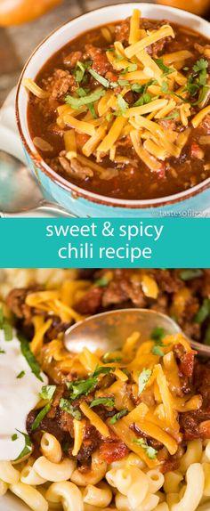 sweet and spicy chili recipe / award winning recipe / slow cooker chili / kid friendly chili / soup recipe / main dish recipes for winter via @tastesoflizzyt
