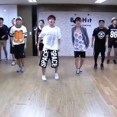 lyrical dance videos choreography They are so freakin talented Jung Hoseok, Kim Namjoon, Bts Taehyung, Bts Bangtan Boy, Bts Jimin, Seokjin, Bts Dancing, Bts Mv, Bts Lyric