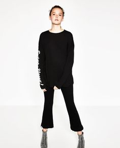 ZARA - TRF - T-SHIRT WITH SLEEVE TEXT