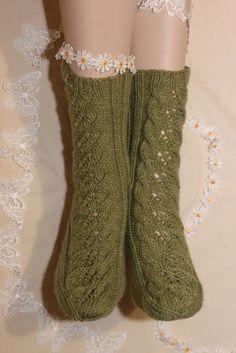 Tuomikki - ilmainen neuleohje villasukkiin Yarn Crafts, Diy Crafts, Knitting Socks, Knit Socks, Knitting Ideas, One Color, Colour, Leg Warmers, Mittens