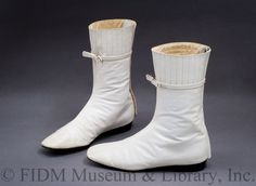 Why yes, of course, I had a pair of Courreges Go Go boots in 6th grade, bought from GallenKamp shoe store in downtown Napa. Knock-offs of course. The real deal - André Courrèges c. 1966.