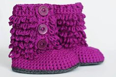 Boots - Tutorial   Not in English. Free Tutorial is part photos and part chart.