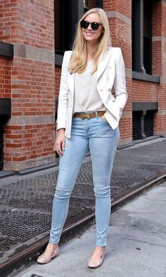 Pin for Later: Over 30 Street Styled Outfits to Steal From All Summer Summer Street Style With light denim and a chic white blazer, even covering up can feel perfect for Summer. Casual Chic, Work Casual, Casual Looks, Casual Summer, Classy Outfits, Casual Outfits, Summer Outfits, Fashion Outfits, Fashion Hats