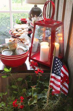 DIY ideas for hosting a 4th of July Hamburger bar using mason jars and tags.