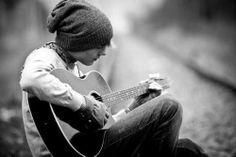 Chłopak z gitarą | O miłości | Mezzek Moments - Strona konkursowa