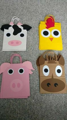 Set of 12 Farm Animal Birthday Loot Bags / Favor Bags / Party Farm Animal Party, Farm Animal Birthday, Barnyard Party, Cowgirl Birthday, Pig Party, Farm Birthday, Farm Party, 3rd Birthday Parties, Birthday Animals