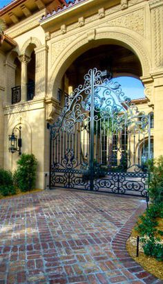 Gated Entrance www.SocietyOfWomenWhoLoveShoes.org https://www.facebook.com/SWWLS.Dallas