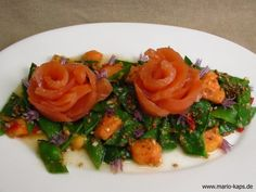 Gebeizter Lachs auf Papaya-Zuckerschoten-Salat - Mario´s Fire Food & Fine Food Impressum: http://www.mario-kaps.de/impressum/