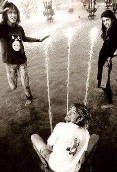 Nirvana ♡Kurt ~ taking 3 for the team …