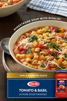 Looking for an authentic Italian recipe? Try Barilla's step-by-step recipe for Tomato & Basil Minestrone Soup for a delicious meal! Chowder Recipes, Easy Soup Recipes, Vegetarian Recipes, Healthy Recipes, Healthy Tips, Pasta Facil, Slow Cooker Recipes, Cooking Recipes, Homemade Soup