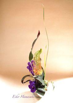 ikebana Japanese Plants, Japanese Flowers, Japanese Art, Ikebana, Flower Arrangement, Floral Arrangements, Japanese Floral Design, Art Floral, Design Styles
