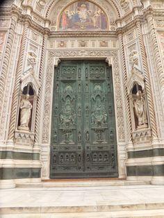 Florence monumentale: la cathédrale, la coupole et le clocher - Blog d´Elisa N   Voyages, Photos et Lifestyle Tuscany Italy, Blog Voyage, Lifestyle, Photos, Italia, Florence, Museums, Tourism, Travel