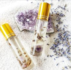 Hydra Divine Lip Oils Diy Beauty, Beauty Hacks, Beauty Regime, Lavender Buds, Lip Oil, Anti Aging Tips, Carrier Oils, Amethyst Crystal, Hacks Diy