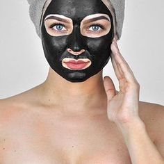 If you're tired of fighting the war against blemishes, then try the top 5 face masks for acne control. Your complexion will be more even and your skin will be healthier, smoother, and glowing. Silver Ombre Hair, Dyed Hair Ombre, Ombre Hair Color, Gray Hair, White Hair, Hair Colour, Ombre Hair At Home, Hair Dye Removal, Hair Color Remover