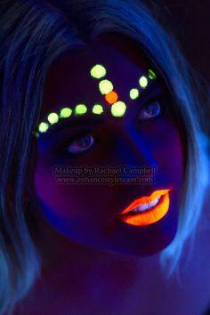 Having fun with uv makeup blacklight party Glow Party, Party Make-up, Ideas Party, Uv Makeup, Dark Makeup, Black Light Makeup, Pintura Facial Neon, Maquillage Phosphorescent, Glow Face Paint