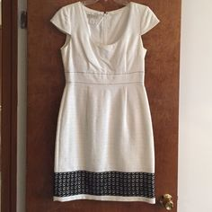Gorgeous black and white dress Like new !! White dress with black detailing. Size 8. Beautiful for spring/ summer events !!! Morgan Mc Feeters Dresses Midi