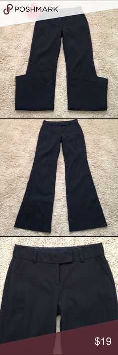 """Express Pants Express Correspondent Pants that are 77"""" rayon, 20% nylon, 3% lycra. Machine washable. Measurements are waist laying flat 14"""" across, Rise 9"""", Inseam 31 1/2"""" inches. Size 0/R. Great condition!!!🌺 Express Pants Boot Cut & Flare"""
