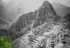 This photo seems in reverse; if Huayna Picchu, the iconic mount supposedly north of the site, then the Intihuatana and the Torreon should be on the left, on the west side of the Central Plaza.