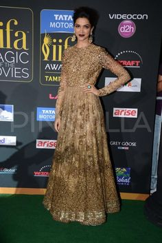 Deepika Padukone at the IIFA Magic of the Movies in a Sabyasachi creation.