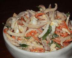 Сохранить себеСалат с кальмарами «Сеул» имеет приятный пикантный вкус, а ещё он сытный и вкусный. Всем, кто пробовал этот салатик у меня в гостях, он очень понравился! Ингредиенты: 3 кальмара, 100 г моркови «по-Корейски», 2 яйца, майонез (йогурт), пучок зелени петрушки или укропа, соль и перец по вкусу. Приготовление: Кальмары помыть, удалить пленку (для того … Pasta Salad, Cabbage, Curry, Chicken, Vegetables, Ethnic Recipes, Food, Sport, Recipies