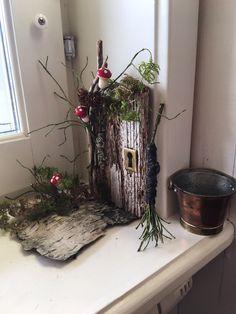 Mini Fairy Garden, Fairy Garden Houses, Christmas Crafts For Kids To Make, Handmade Christmas, Fairy Furniture, Autumn Crafts, Fairy Doors, Diy Dollhouse, Flower Centerpieces