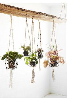 Pot suspendu medium ferm living plantes pinterest pots - Etagere suspendu au plafond ...