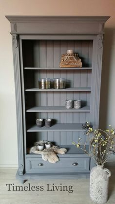 Stoere sobere boekenkast landelijk donker grijs Nero Carte Colori by www.timeless-living.nl Repurposed Furniture, Painted Furniture, Newborn Room, Small Cabinet, Grey Room, Cozy Place, Furniture Restoration, Diy Storage, Bohemian Decor