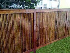 cercos baratos de madera - Buscar con Google Wood Cladding, Black Bamboo, Bamboo Fence, Outdoor Furniture, Outdoor Decor, Outdoor Ideas, Garden Art, Outdoor Spaces, Pergola