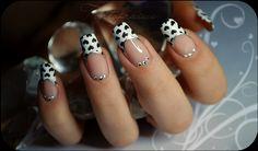 Un nail art réalisé spécialement pour Nail'z par Tartofraises pour la Saint Valentin ^^