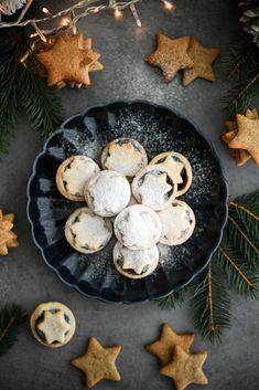 Christmas poppy and walnut pies foodphotography / vianocne makove a orechove kosicky Red Velvet, Walnut Pie, Seasonal Food, Poppy, Stuffed Mushrooms, Cookies, Vegetables, Cake, Sweet