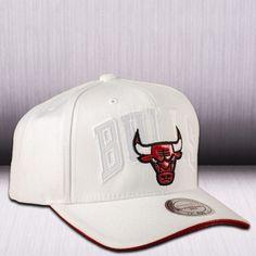 Mitchell & Ness NBA Chicago Bulls Red Air 11 Snapback Cap