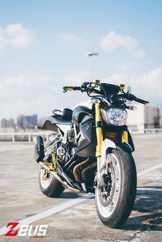 YAMAHA MT-07 不只擁有令人驚艷的扭力輸出,同時也擁有輕巧的車身、優異的操控性、經濟實惠的價格甚至更有樂趣。這些特色,讓MT-07 在同級車中更能脫穎而出,形成一種不一樣的騎乘風格。這台YAMAHA MT-07 是這次改裝企劃的主角,由Zeuslightning 負責打造,從設計、...