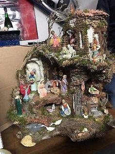 me ~ Presepe artigianale Napoletano (Neapolitan Christmas Crib) Christmas Crib Ideas, Simple Christmas, Christmas Home, Vintage Christmas, Christmas Crafts, Christmas Decorations, Holiday Decor, Christmas Village Houses, Christmas Nativity Scene