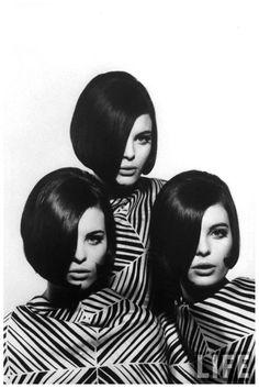 Nina Leen, The Dees Triplets, modeling look-alike outfits,1964