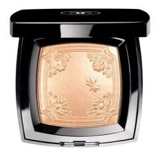 Best Things in Beauty: Chanel Mouche de Beauté Illuminating Powder from the Versailles de Chanel Cruise 2012-2013 Makeup Collection (rose gold illumination)