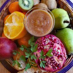 Smoothie: gruszka, kiwi, jabłko, pomarańcza, granat, imbir, pietruszka