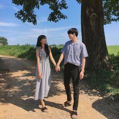 Matching Couple Outfits, Matching Couples, Korean Couple Photoshoot, Mode Ulzzang, Ulzzang Korea, Couple Photography, Photography Poses, Ulzzang Couple, Couple Aesthetic